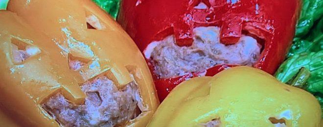 パプリカの肉詰めジャックオーランタン